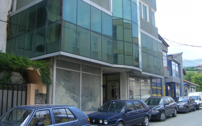 Objekt_Hotelier_e_ndertuar_ne_vitin_2001_1.JPG